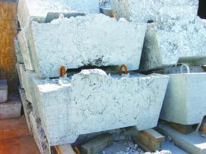 再生亜鉛、一部値上げ 伸銅向け来月から3円