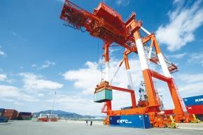 輸入金属珪素 日本電工、物流を合理化