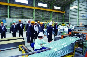 東京鉄製、第一工場を竣工披露 JFE鋼板など招待