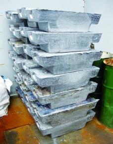 低品位粗鉛の価格上昇 廃電池不足で代替需要