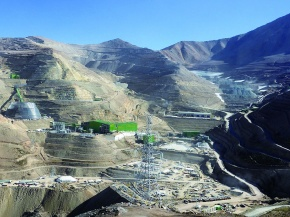 三井物産、資源権益積み増し継続
