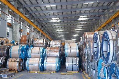 輸入鋼材 中国、保税措置を撤廃