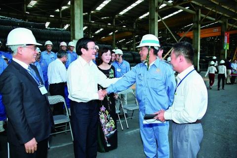 共英製鋼、ベトナムのKSVC社に国家主席が来訪