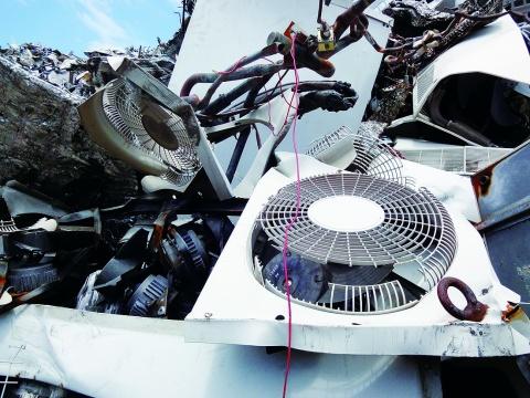 スクラップ業者、不正輸出で通報 家庭用空調に廃棄物判断