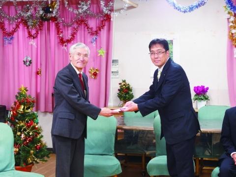 神鋼・神戸製鉄所の職長会・有志、福祉施設にクリスマスプレゼント 今年で37回目