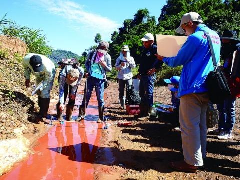 ラオスで鉱害防止ワークショップ開催 現地研修も実施