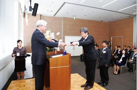 神戸製鋼所、金賞にコベルコ建機 第57回田宮賞 授賞式を開催