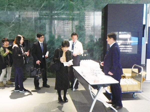 神戸製鋼所、神戸本社で帰宅訓練 距離感・疲労感を体感
