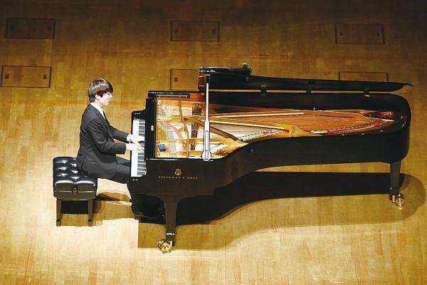 大同特殊鋼、創業100周年記念リサイタル 若手ピアニストが名演