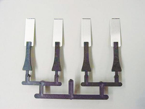日新製鋼、特殊表面改質鋼板を開発