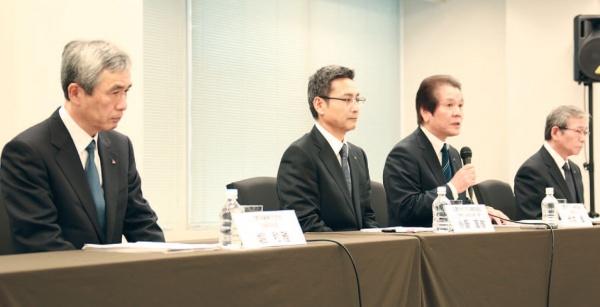 三菱マテリアル 記者会見、竹内社長らが謝罪 原因究明・防止に努力