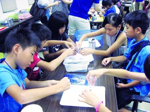 鉄連、名古屋で 鉄の不思議教室 小学生72人参加
