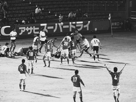 【トップリーグ】 コベルコスティーラーズ サントリーに9年ぶり勝利