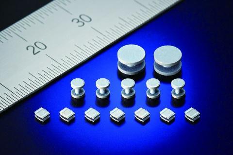日立金属、軟磁性新材料を開発 飽和磁束密度3倍