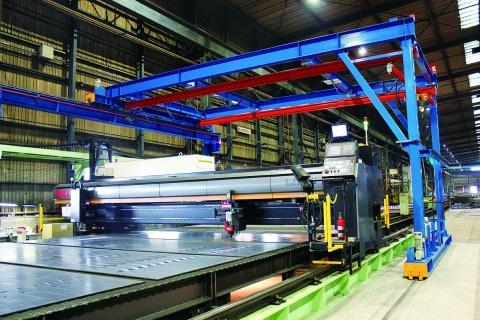 東海鋼材工業、レーザー増設 4基体制