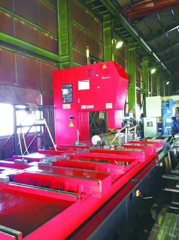 巴鋼鉄、竪型バンドソー更新 長尺・難削材 切断加工を強化
