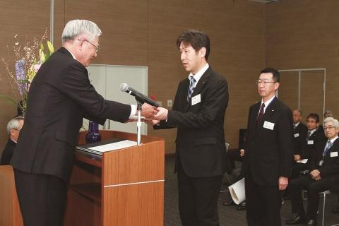 神戸製鋼、「第56回田宮賞」を選定 金賞に溶接事業部門「アーク溶接ロボット」