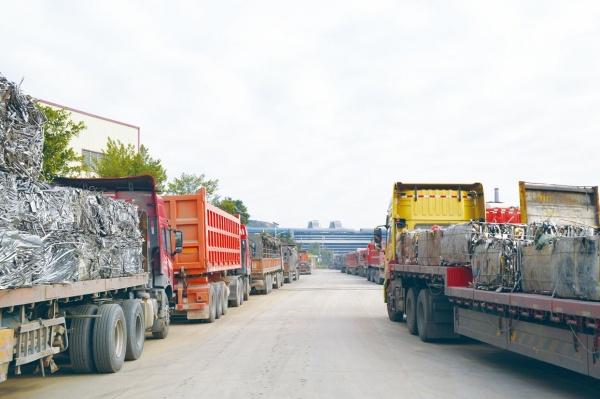 中国ステンレス粗鋼、過去最高2494万トン 16年、輸出14%アップ