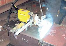 神戸製鋼所・溶接、可搬溶接ロボ販売へ