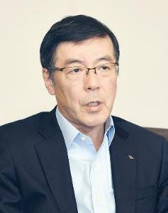 新社長に聞く ■神戸製鋼所 山口貢氏 企業風土を抜本的改革 グループの潜在力引出す