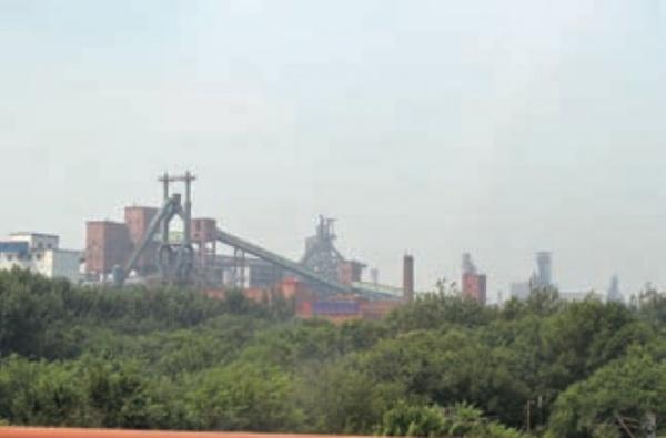 中国鉄鋼企業の株価急落 米中貿易摩擦が影響
