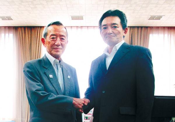 古賀オール・眞野選手 江東区長を表敬訪問