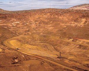 ウェストアンジェラス鉄鉱山