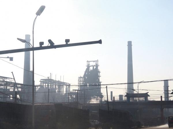 中国鉄鋼企業、「協調減産」の動き広がる