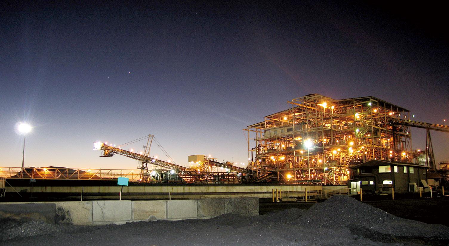 BMA、無人トラック9月投入 石炭事業初