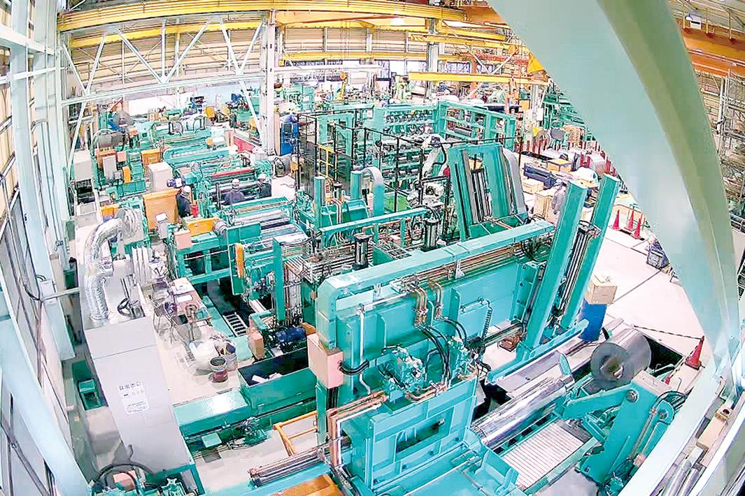 仁淀鉄鋼 東京工場、品質向上へ スリッター4基更新