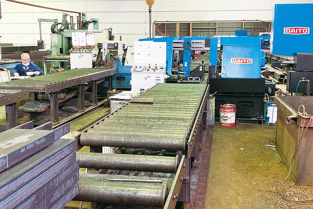 三木工業材料、中径鋼管開先機を導入