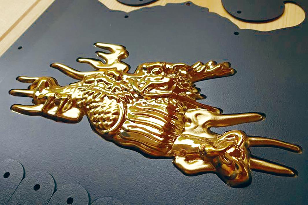 日本製鉄 チタン製根巻金物 広島の社寺建築に初採用