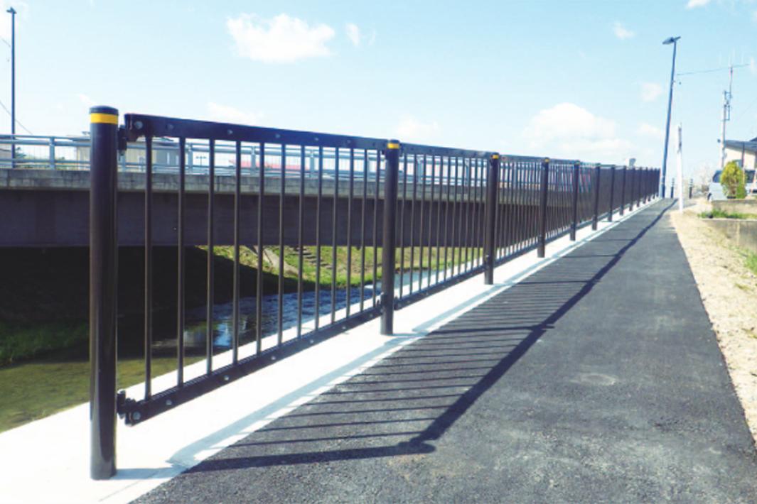 JFE建材 耐雪型勾配自在柵 東北で初採用