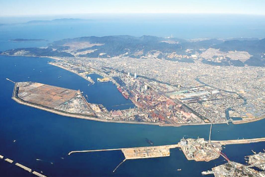 日本製鉄、高炉・護岸 ドローンで点検 まず和歌山で