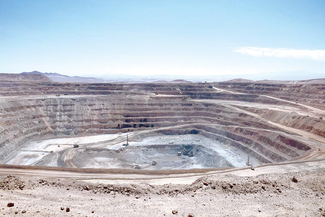 住友鉱・住商 チリ銅鉱山の権益売却
